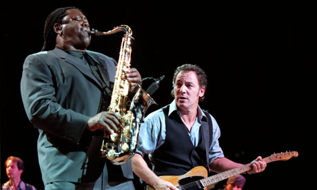 Clarence-Clemons-and-Bruc-007